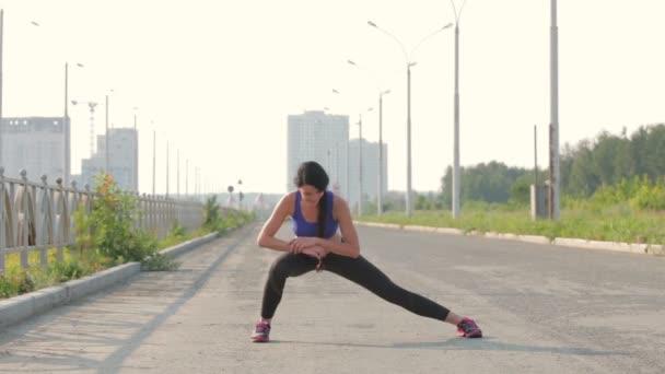 dívka jde sportu
