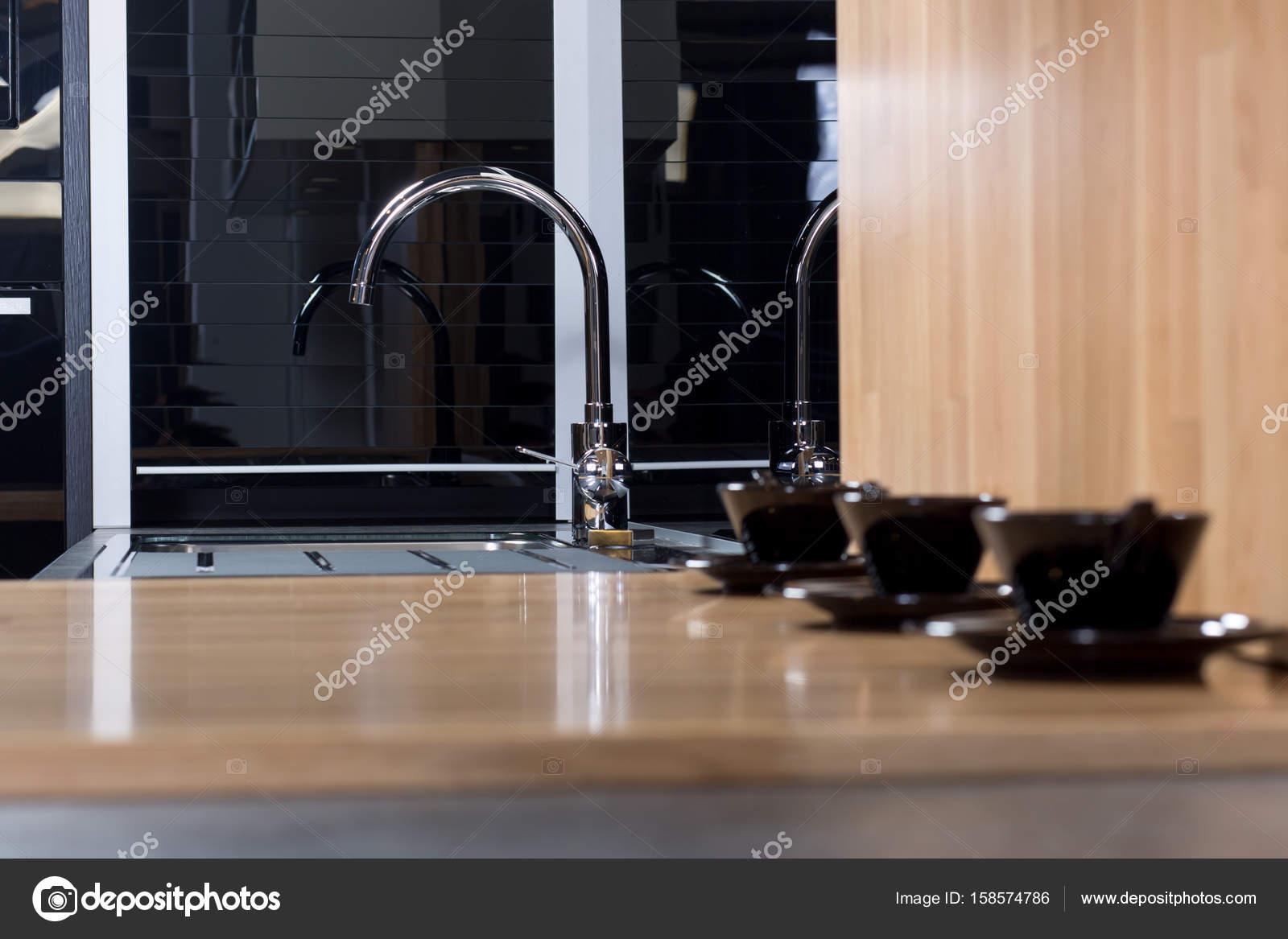 Moderne küche kran u stockfoto myvisuals