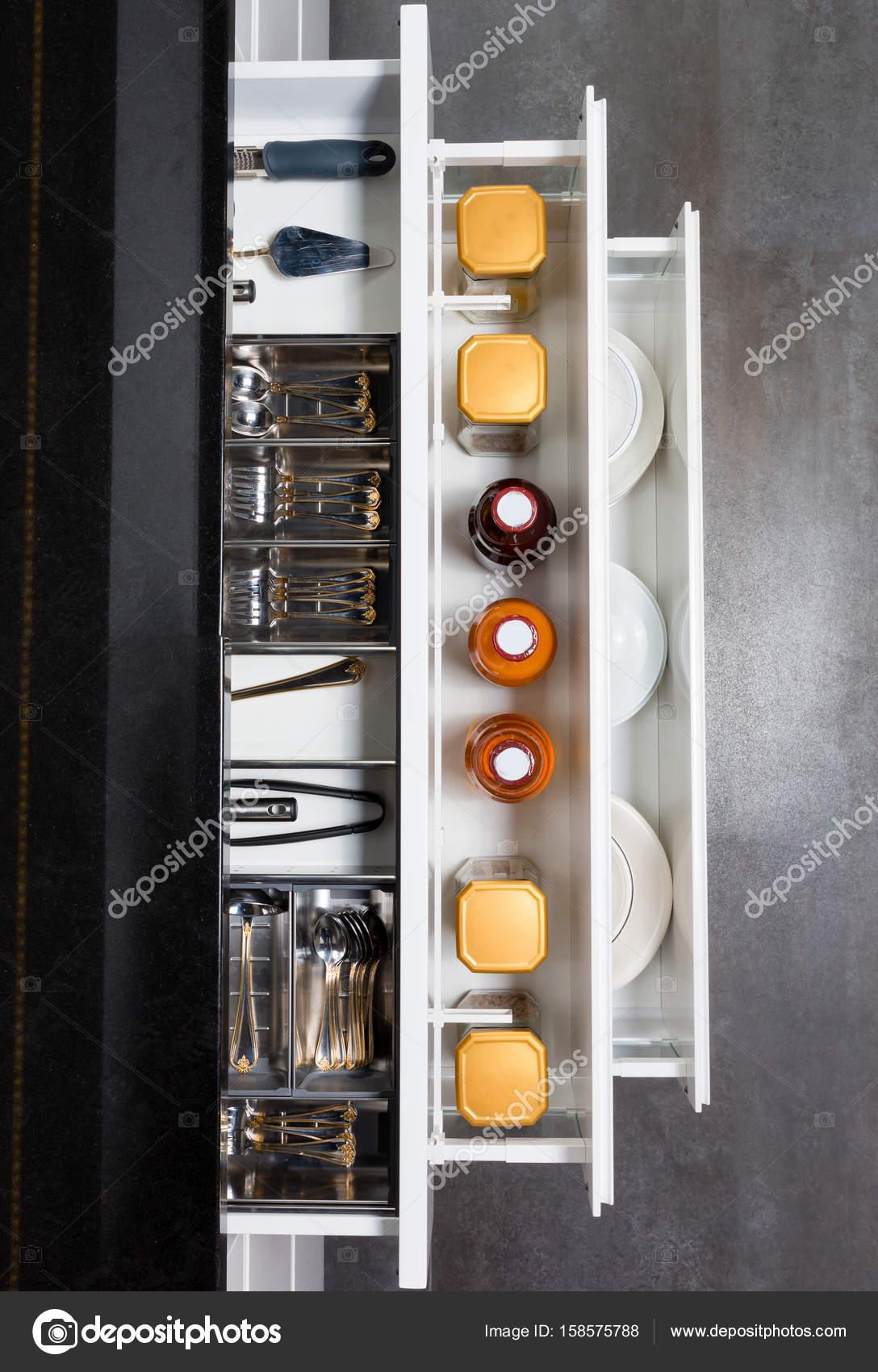 Comptoir De Cuisine Moderne Avec Des Ingredients Alimentaires