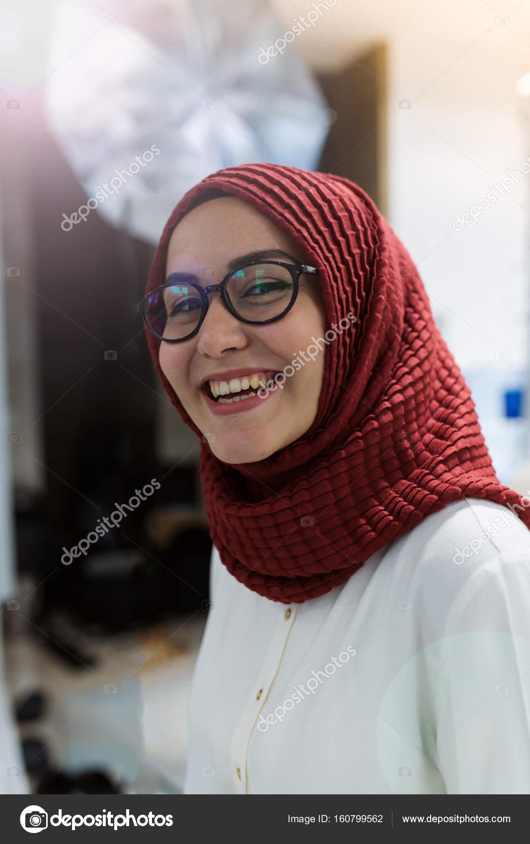 Femme Arab