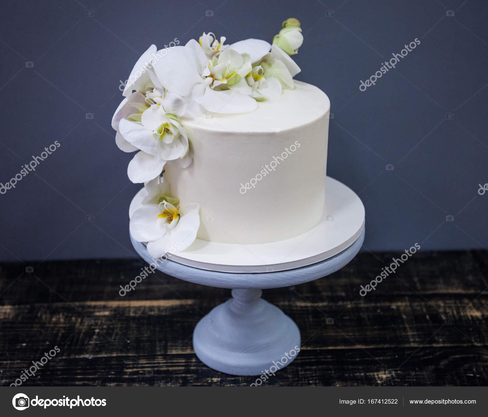 Elegante Hochzeitstorte Dekoriert Mit Frischen Orchideen Blume
