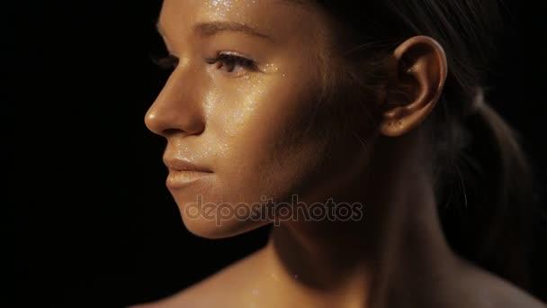 Kreatív művészeti smink - bronz nő arca Vértes