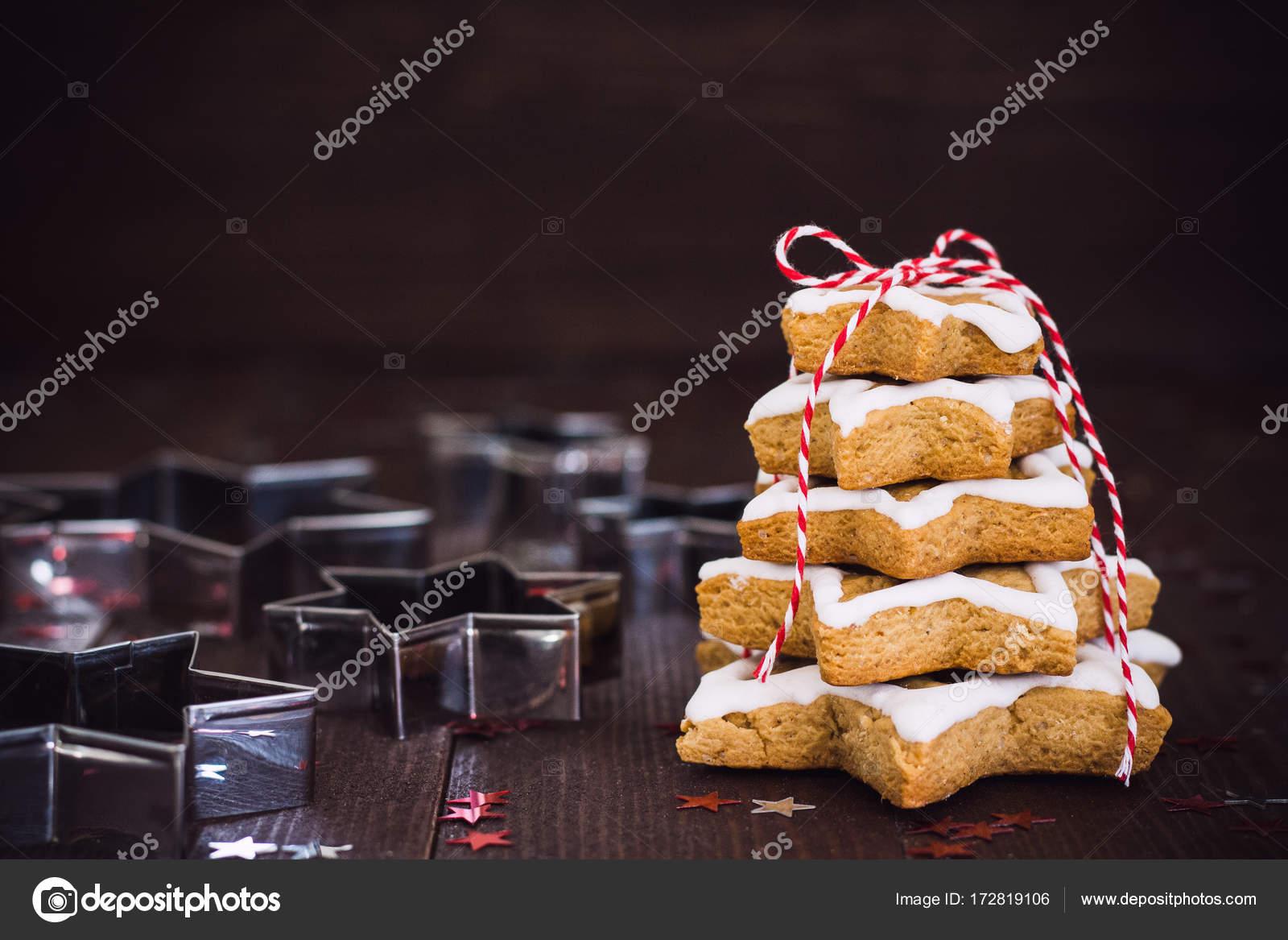 Albero Di Natale Fatto Con I Biscotti.Albero Di Natale Biscotto Fatto Con Stelle Cookie Cutter Gingerbread