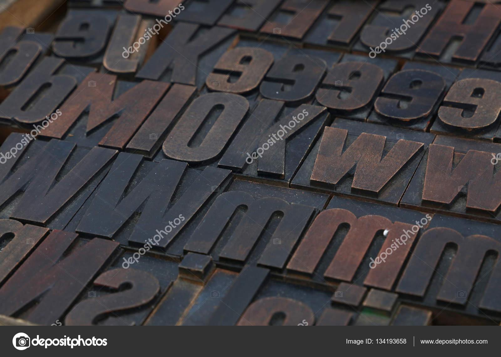 Vieux clichés d'imprimerie typographie vintage en bois