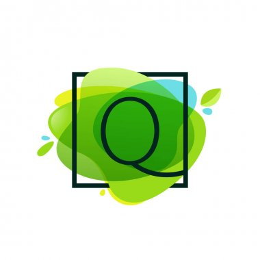 Q letter logo in square frame at green watercolor splash backgro