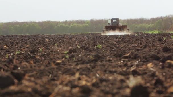 Agrimotor výsev a pěstování pole