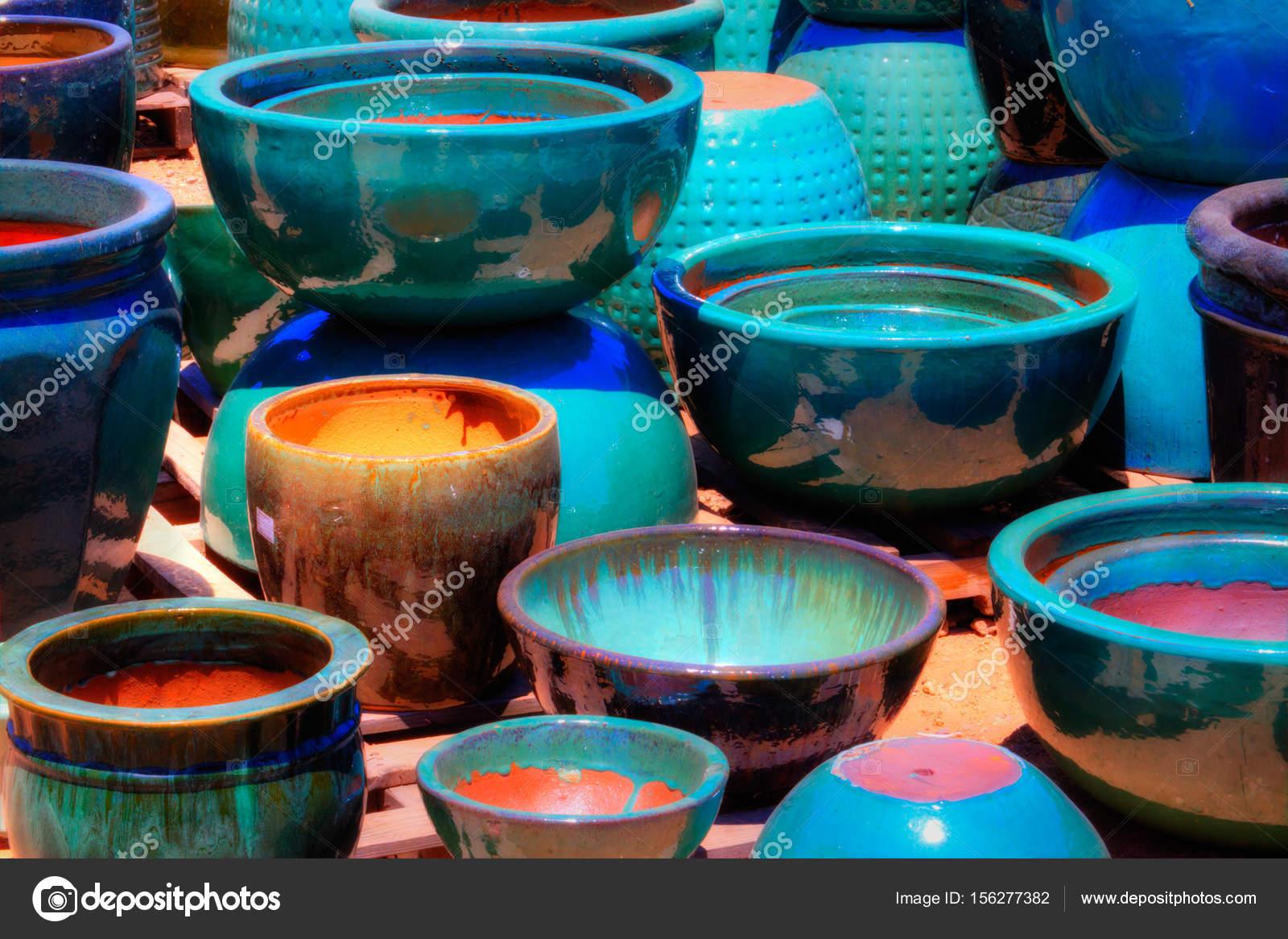 Kolorowe Doniczki Do Sadzenia Zdjęcie Stockowe