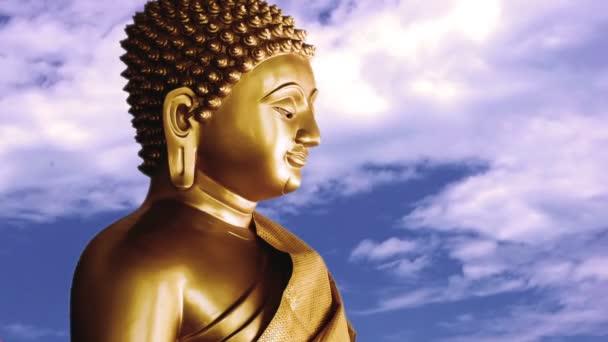 Buddha és a timelapse ég, a felhők