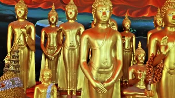 Dolly Kamera mozgása Buddha szobrok