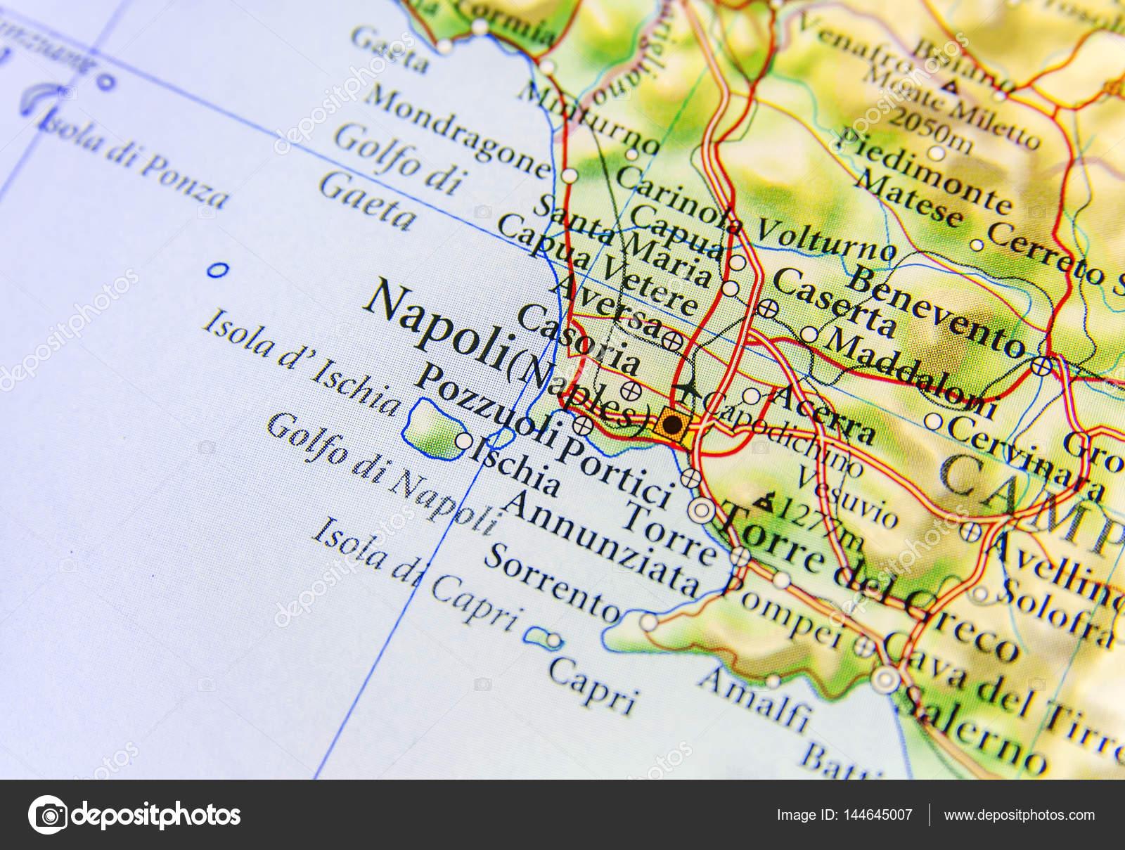 Cartina Geografica Napoli E Dintorni.Napoli Italia Cartina