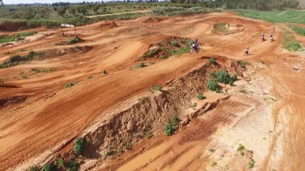 Závodní dráha v poušti