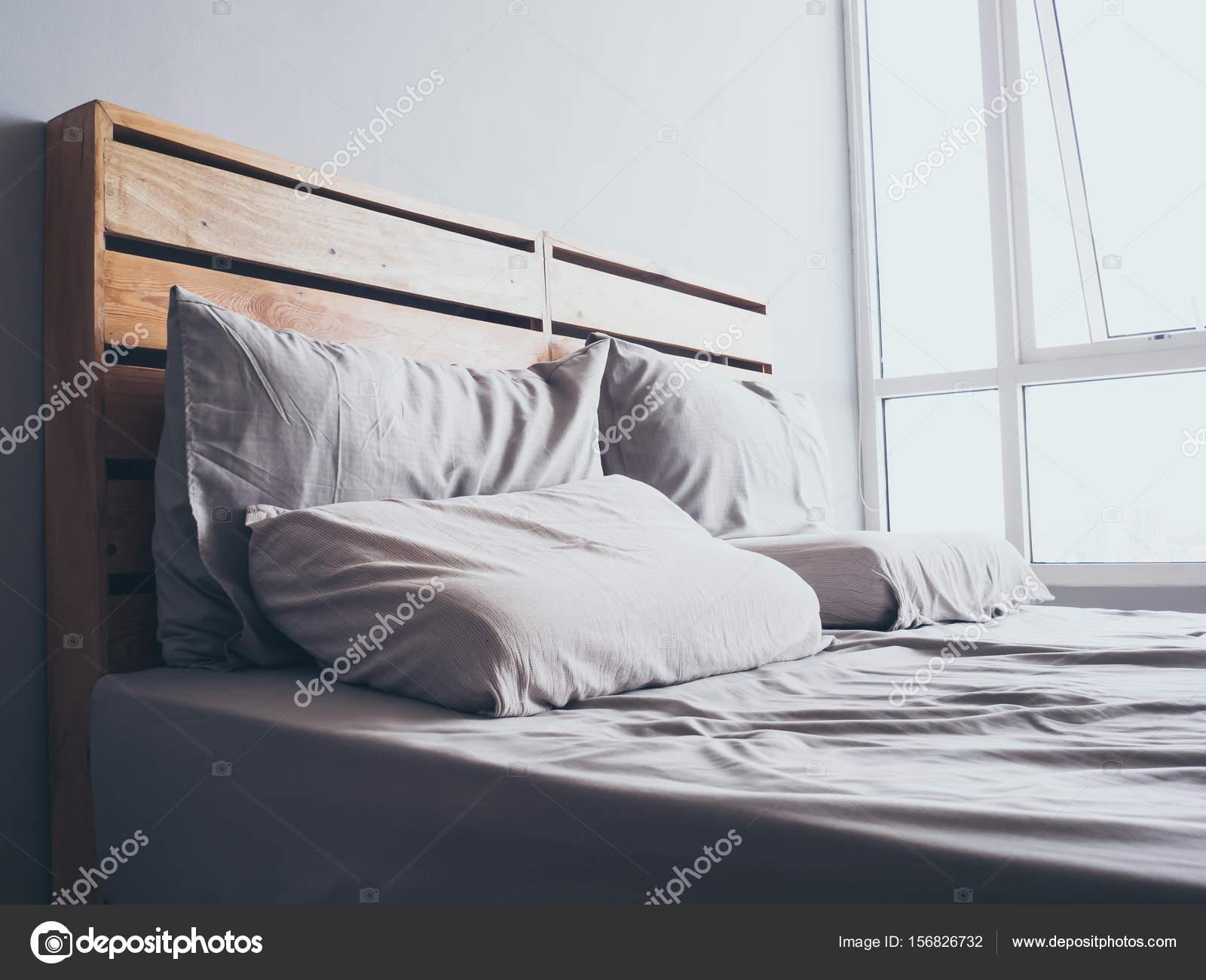 Przytulny Loft Proste Drewniane łóżko Zdjęcie Stockowe