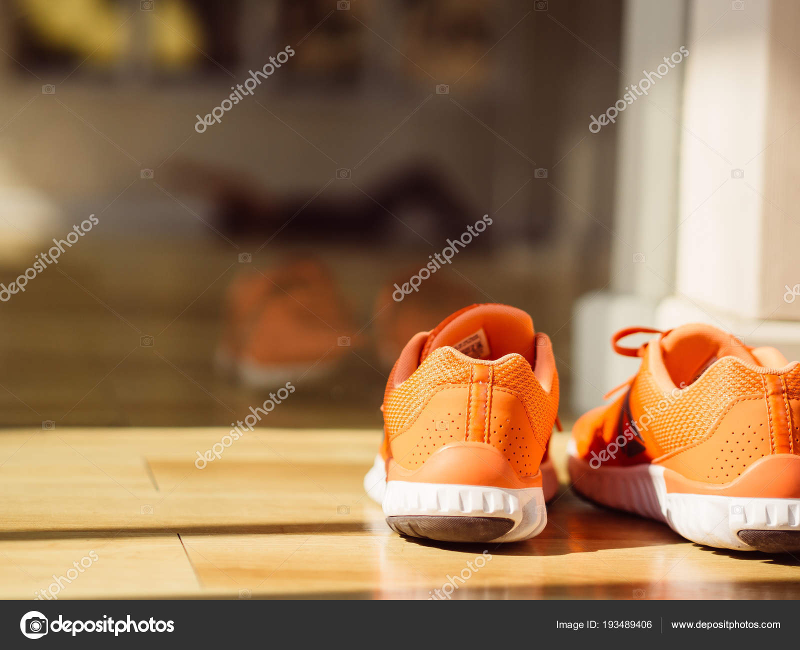 Matin Chaussures Photographie Sport Femme Asiatique — Gym Dans Salle mNw08vn