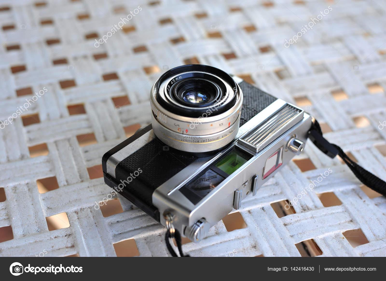 Die alten retro vintage entfernungsmesser film kamera stil