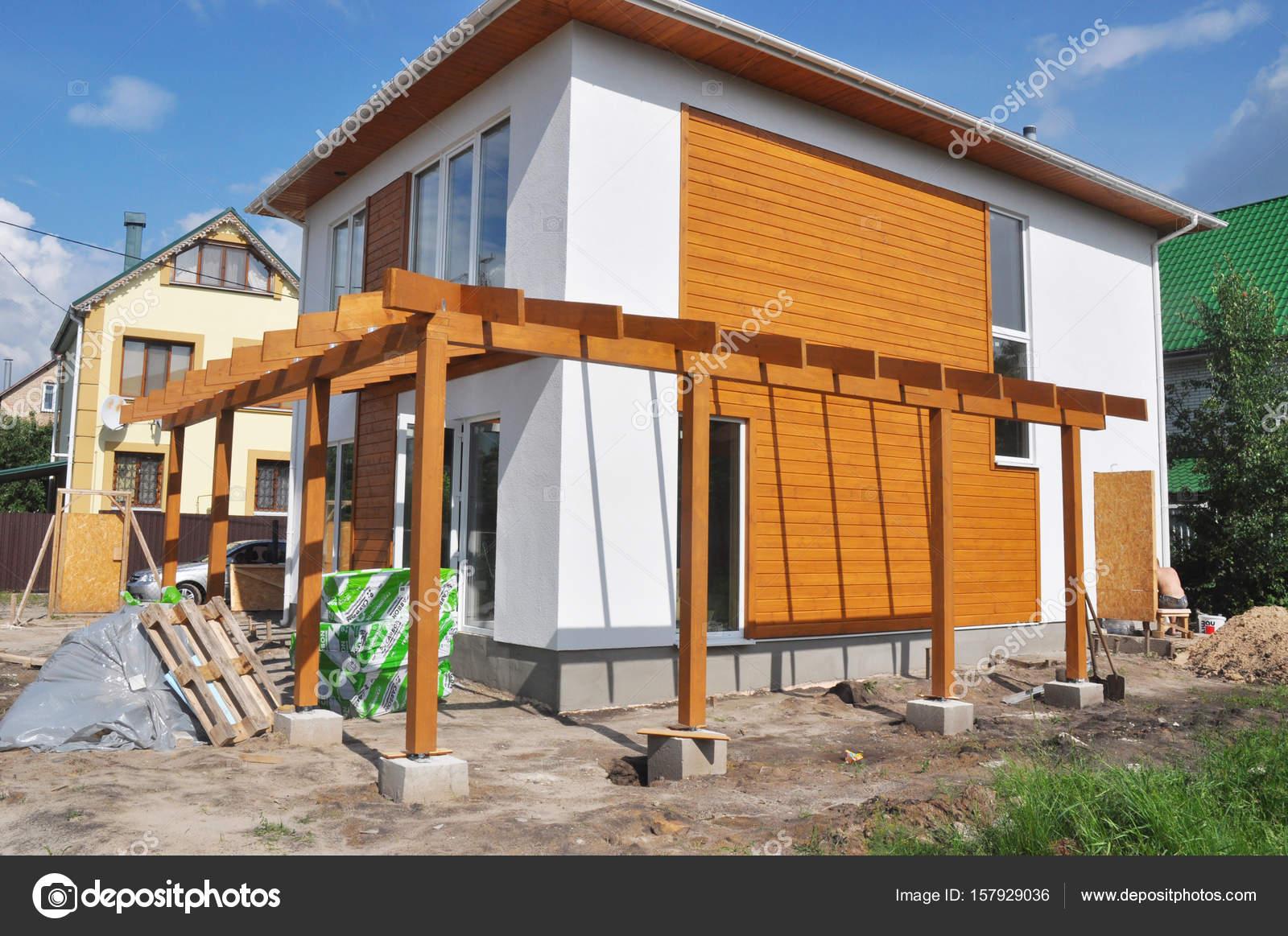 Kiev ucr nia junho 11 2017 constru o de casas for Casa moderna 2017
