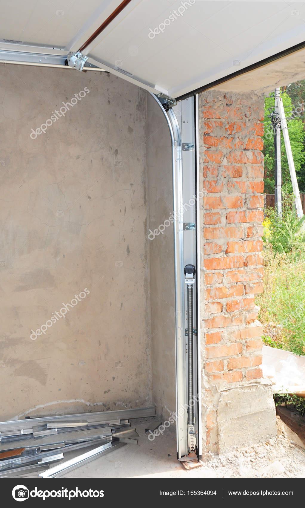 Garagentor Opener Installation Reparatur Von Garage Tur Federn
