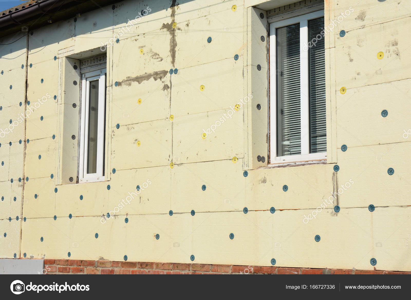 Isolamento della parete di casa casa non finita con for Piani di casa vivente della casa
