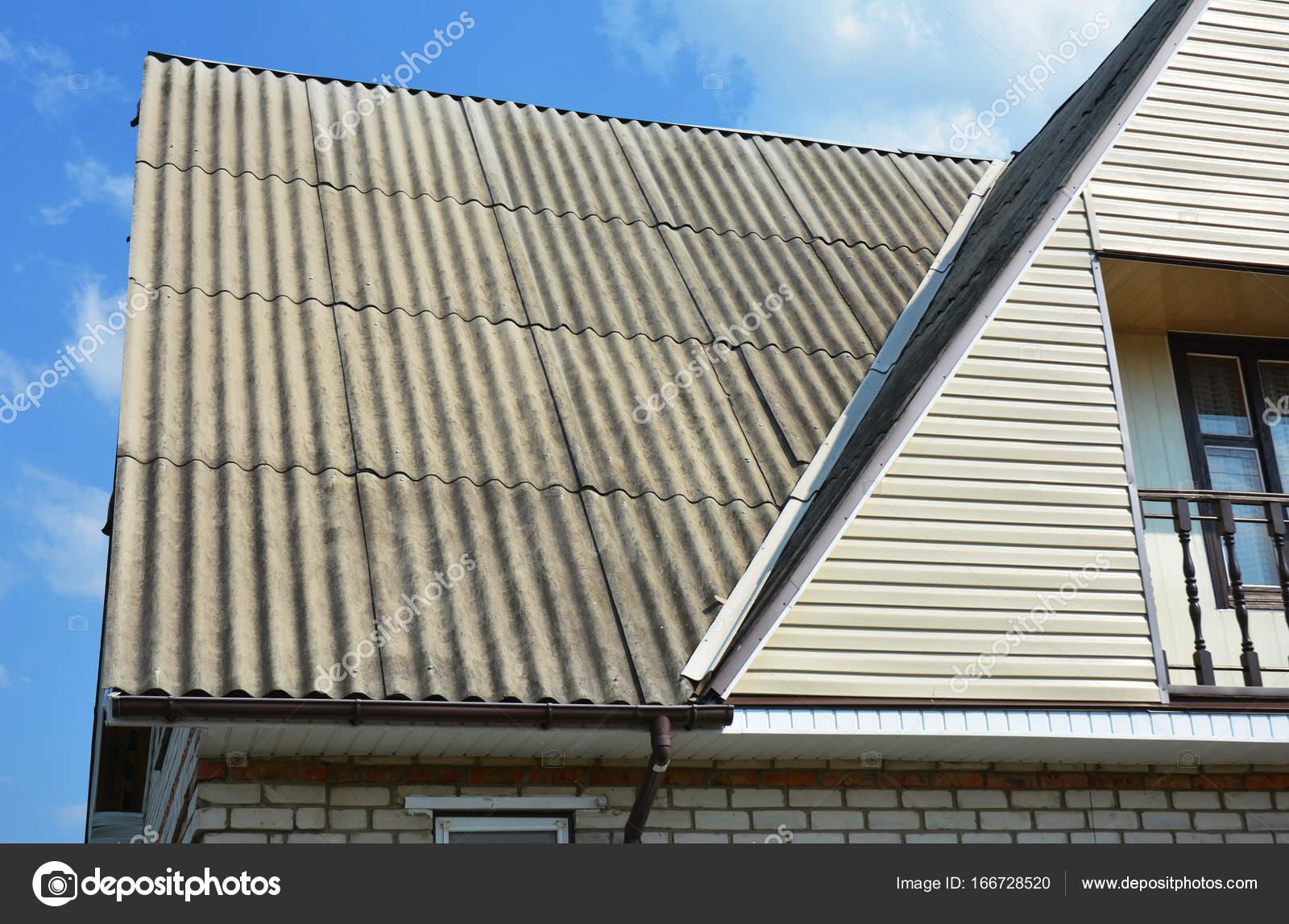 Cerca de las áreas problemáticas para casa asbesto esquina cubierta ...