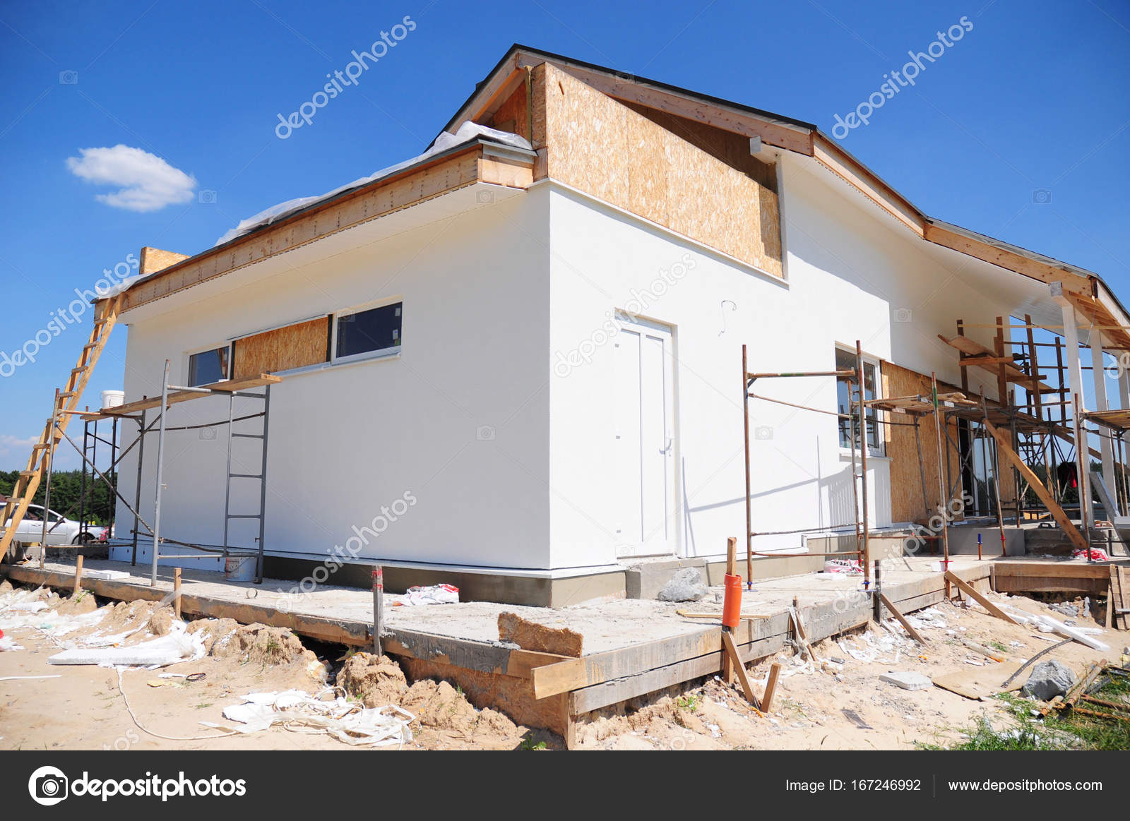Onvoltooide huis huis verbouwing en renovatie huis wal met