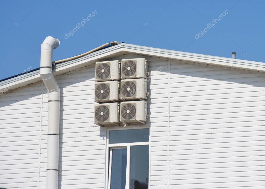 air duct und l ftungsanlage haus mit klimaanlage. Black Bedroom Furniture Sets. Home Design Ideas