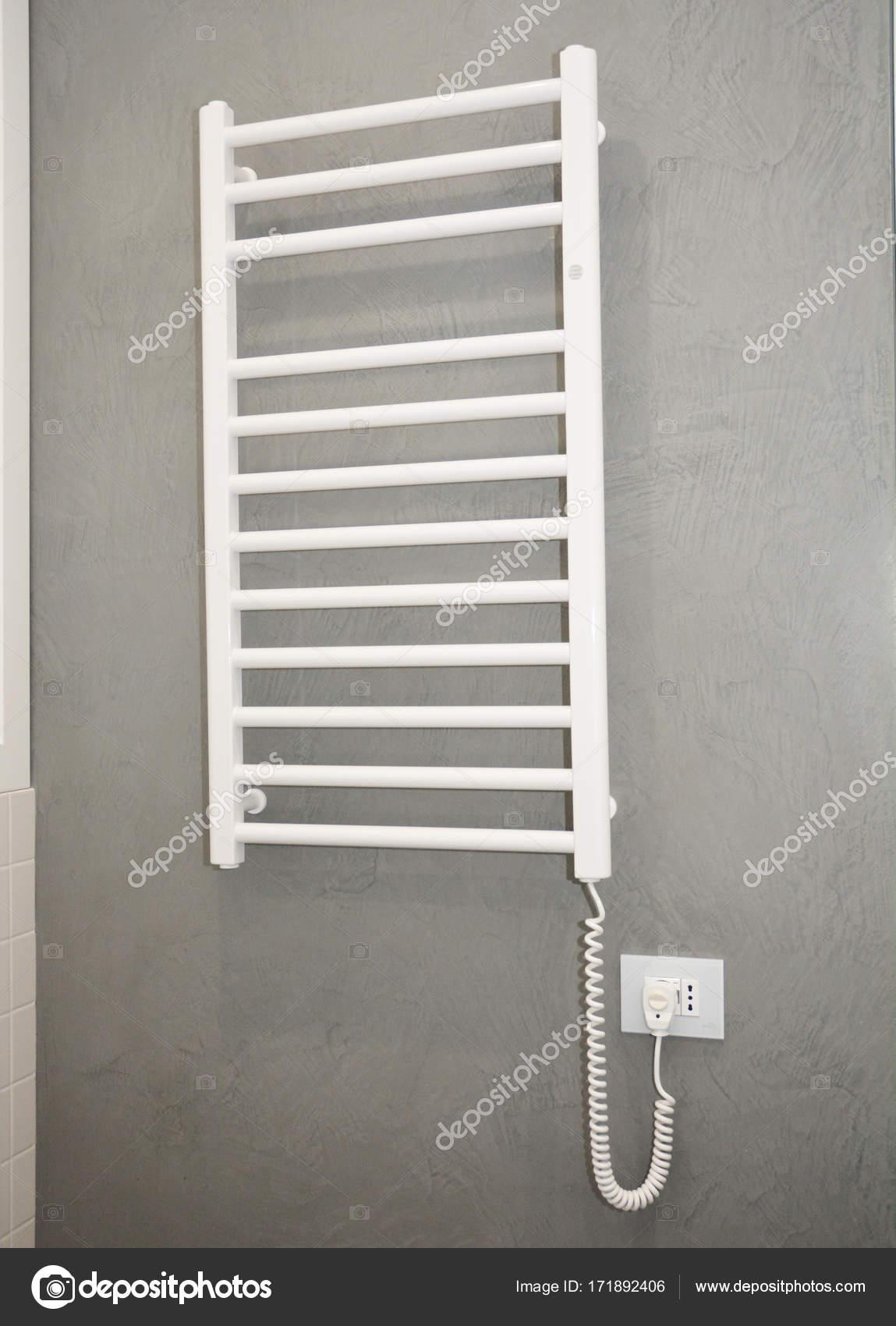 Handdoekradiator Elements.Thermostatic elektrische handdoekhouder ...