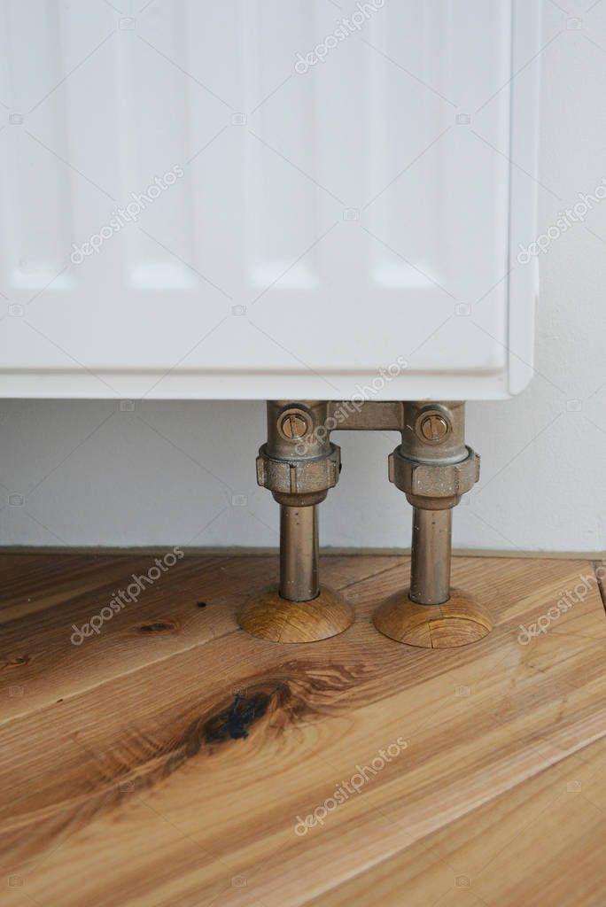 Populair Installeer radiator voor verwarmingssysteem met het verbergen van HJ41