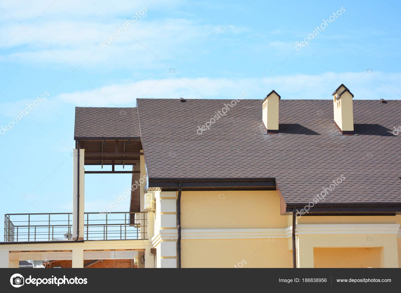 211b756f09ef Modern House Balcony Terrace Roof Gutter System Asphalt Shingles Roofing —  Stock Photo