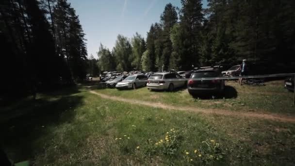 Jízdního kola freeride závod v lese, sportovec, rychle jezdí podél parkin