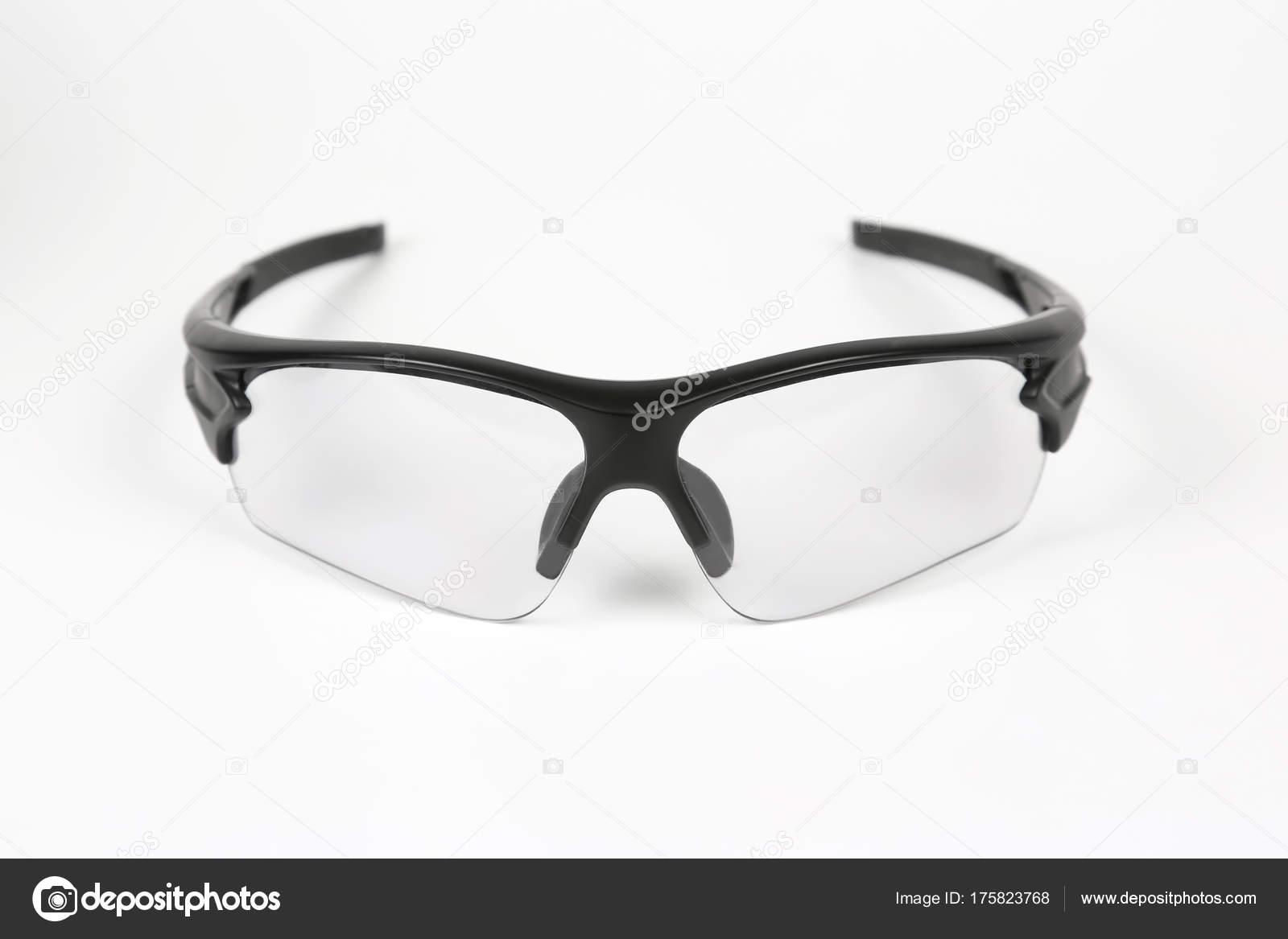7db4f45101 gafas de ciclismo transparentes sobre fondo blanco — Foto de stock ...