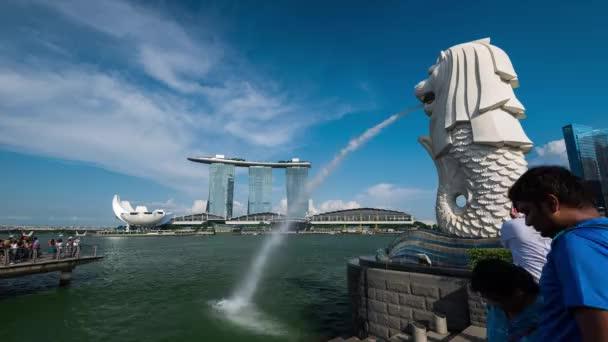 SINGAPORE, SINGAPORE - APR 29, 2018: Timelapse of Merlion Park and Marina Bay Sands, Singapore