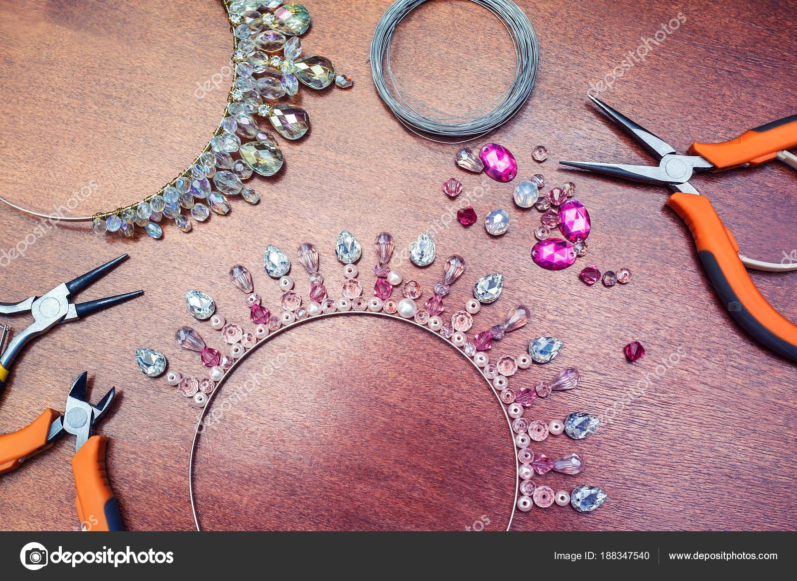 Braut Strass Diadem Vintage Handgemachte Perlen Krone