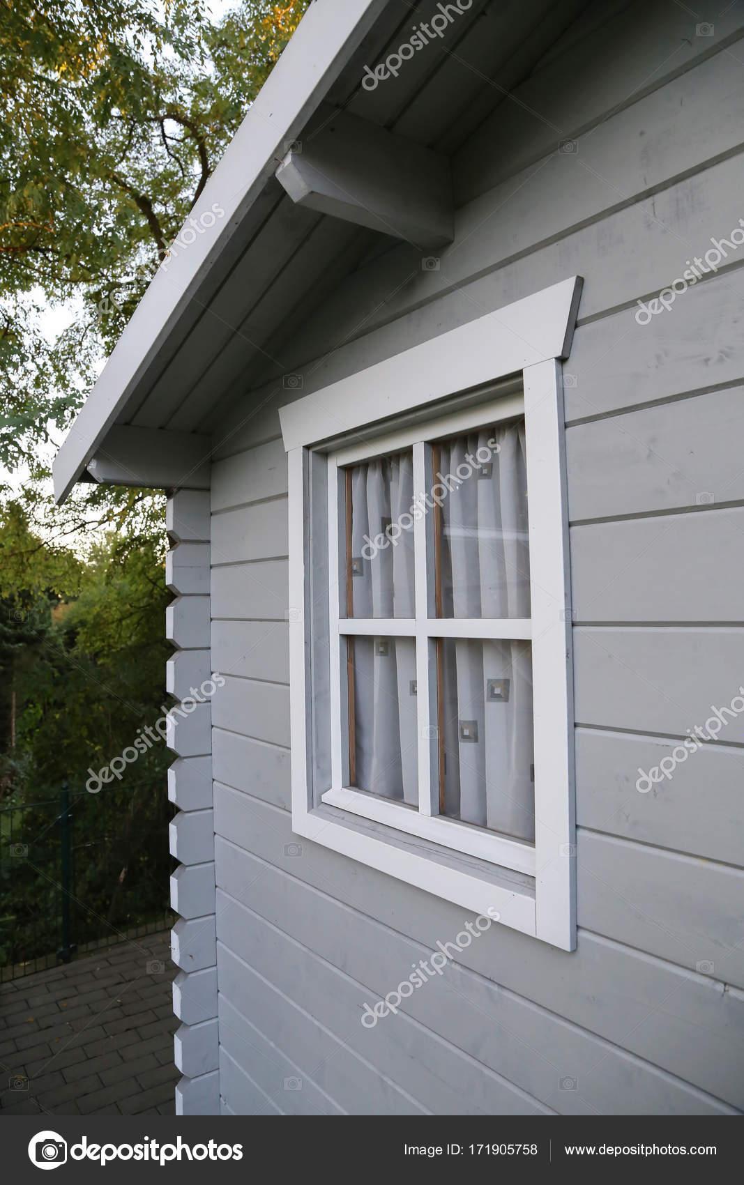 598e5b4c32c3 Σπίτι Κήπος Θραύσμα Ενός Στον Κήπο Σπιτιού Λεπτομέρειες — Φωτογραφία Αρχείου