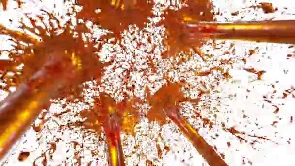 schöne Fontäne sprühen Flüssigkeit wie Orangensaft. 3D auf weißem Hintergrund mit Alpha-Kanal verwenden Sie Alpha-Maske. oben auf einem Springbrunnen mit Wirbelflüssigkeit. Version 20