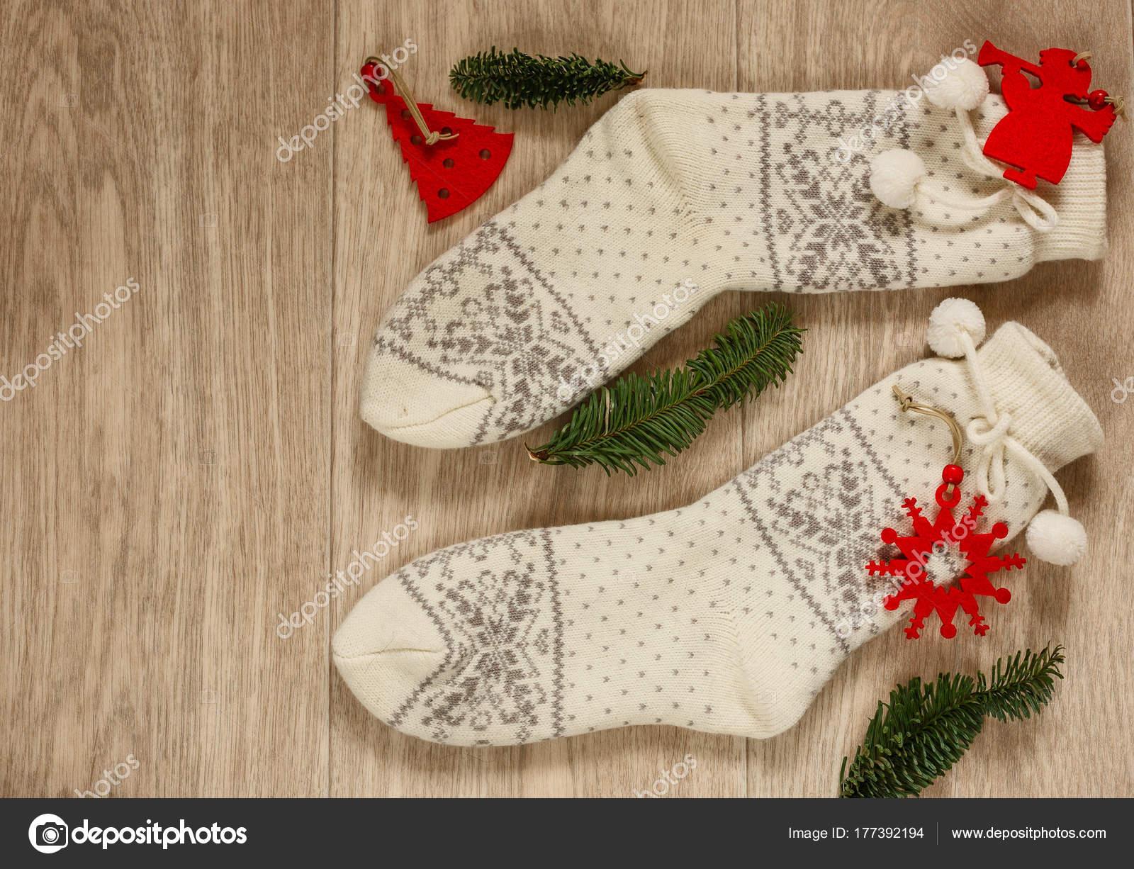 Weiße Weihnachten Hausschuhe. Ansicht von oben. Hygge Stil ...