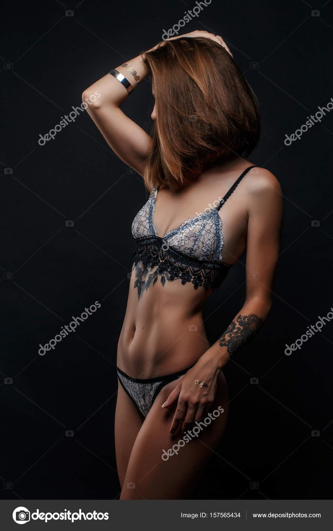erotisch naakt meisje