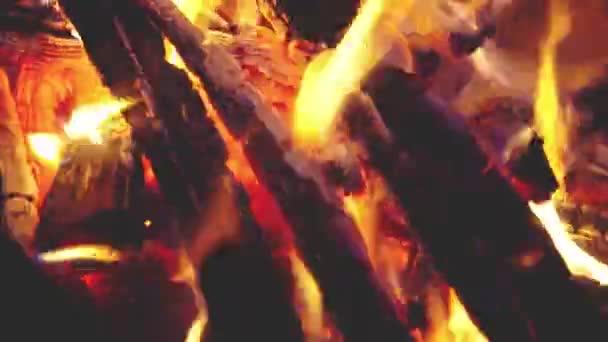 A grill fatüzelésű