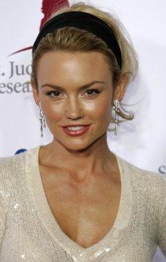 Actress Kelly Carlson