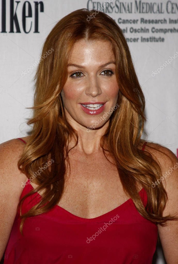 Actress poppy montgomery