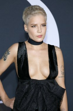 singer-songwriter Halsey
