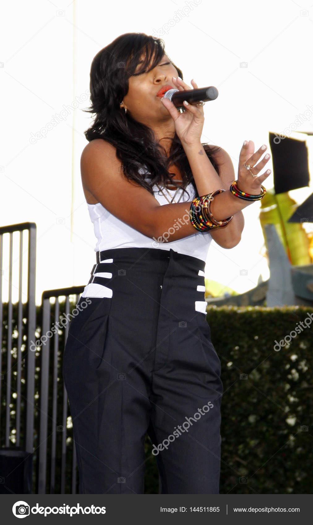 Communication on this topic: Toni Edgar-Bruce, fiona-singer/