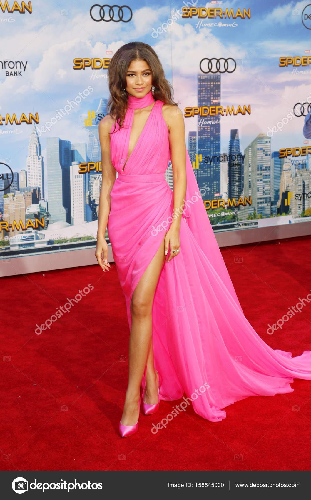 cantante y actriz Zendaya — Foto editorial de stock © PopularImages ...