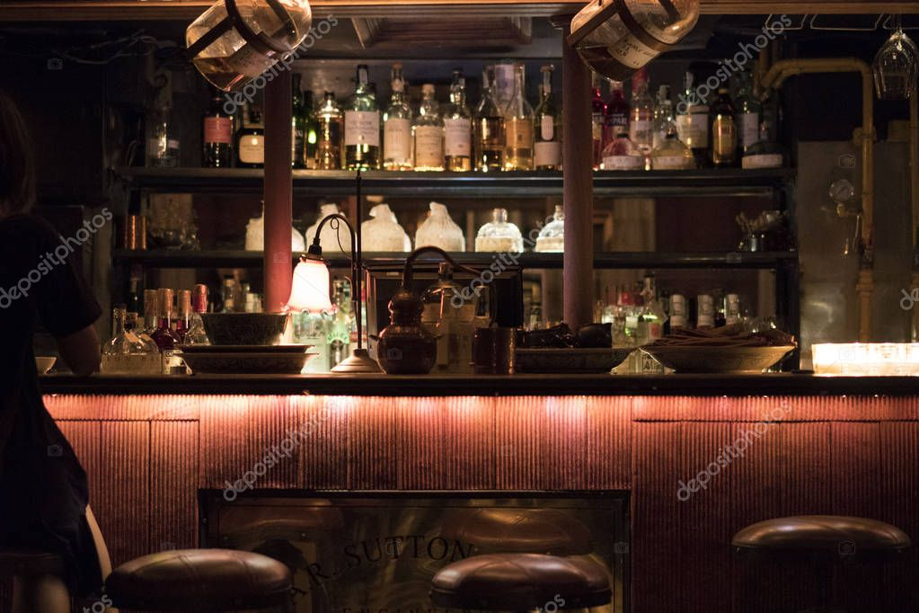 alcohol drinks in bar