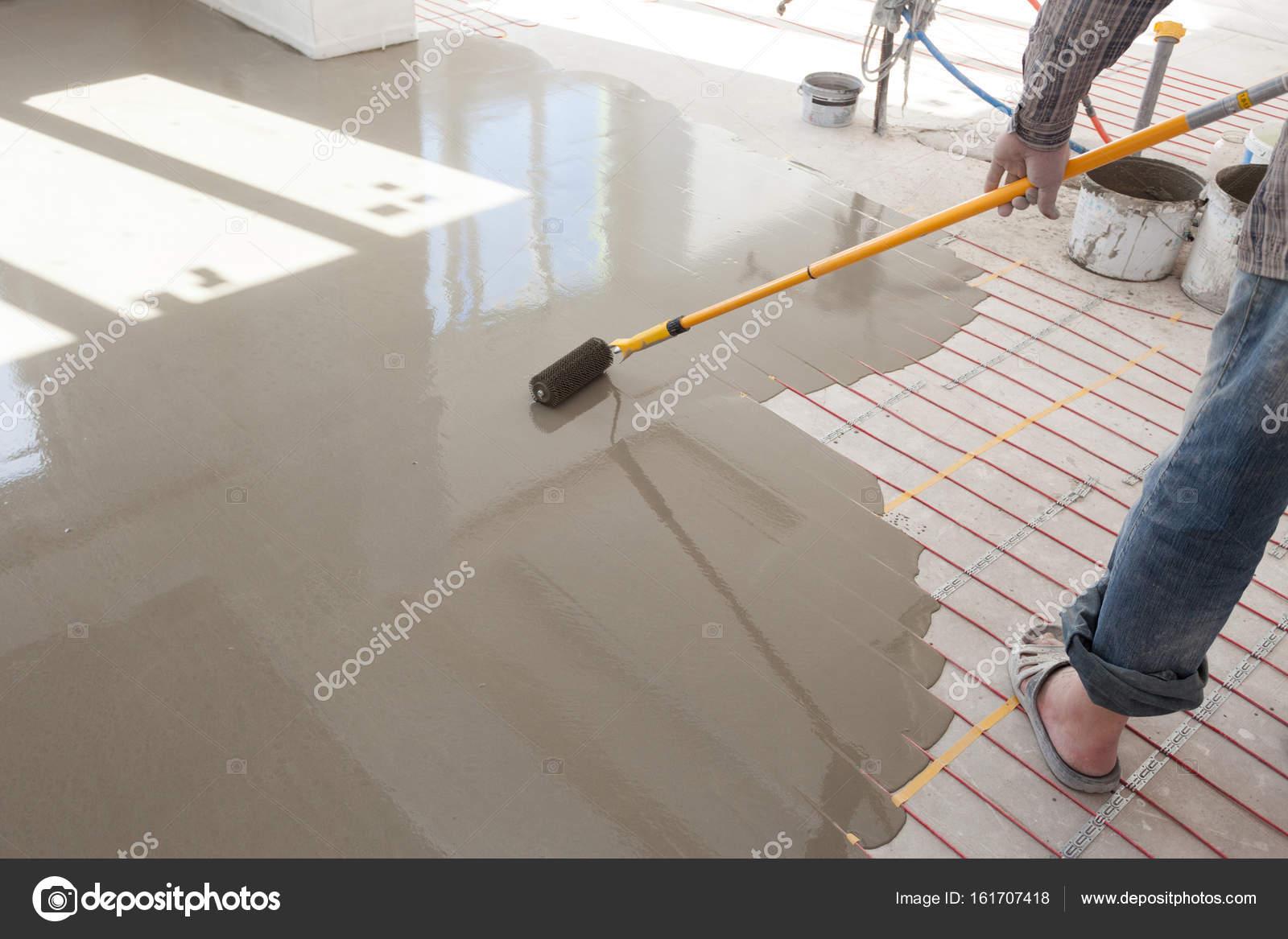 Superior Elektrische Fußbodenheizung System Installation Im Neuen Haus. Walze Für  Strömenden Betonboden U2014 Foto Von Brizmaker