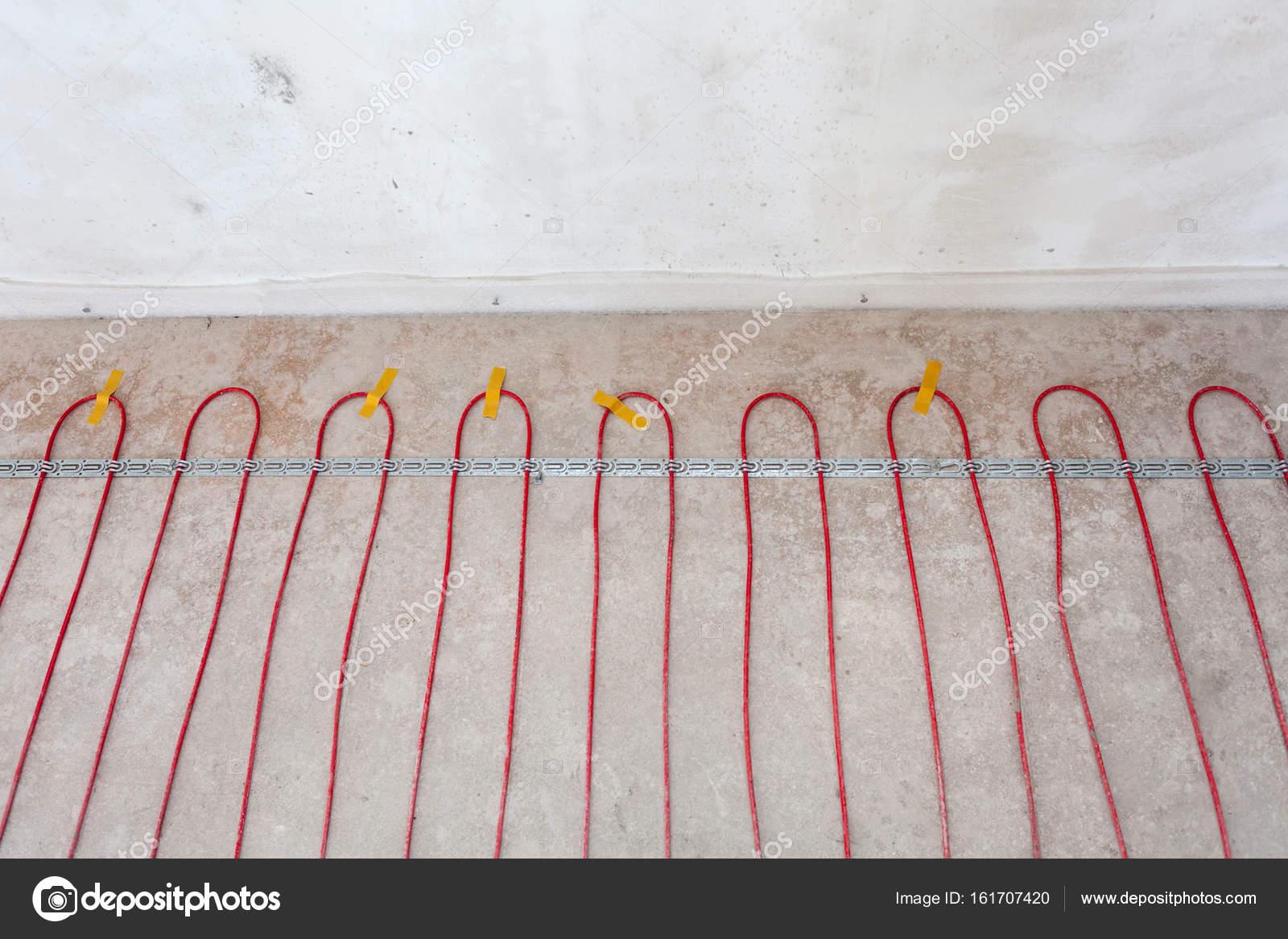 Elektrische Fußbodenheizung System-Installation im neuen Haus ...