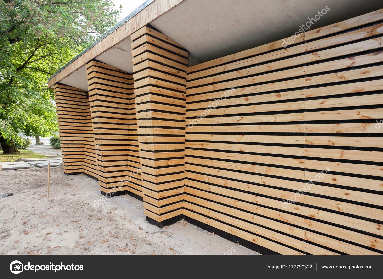 Maison Bois Pour Rangement Outils Jardin Photographie Brizmaker