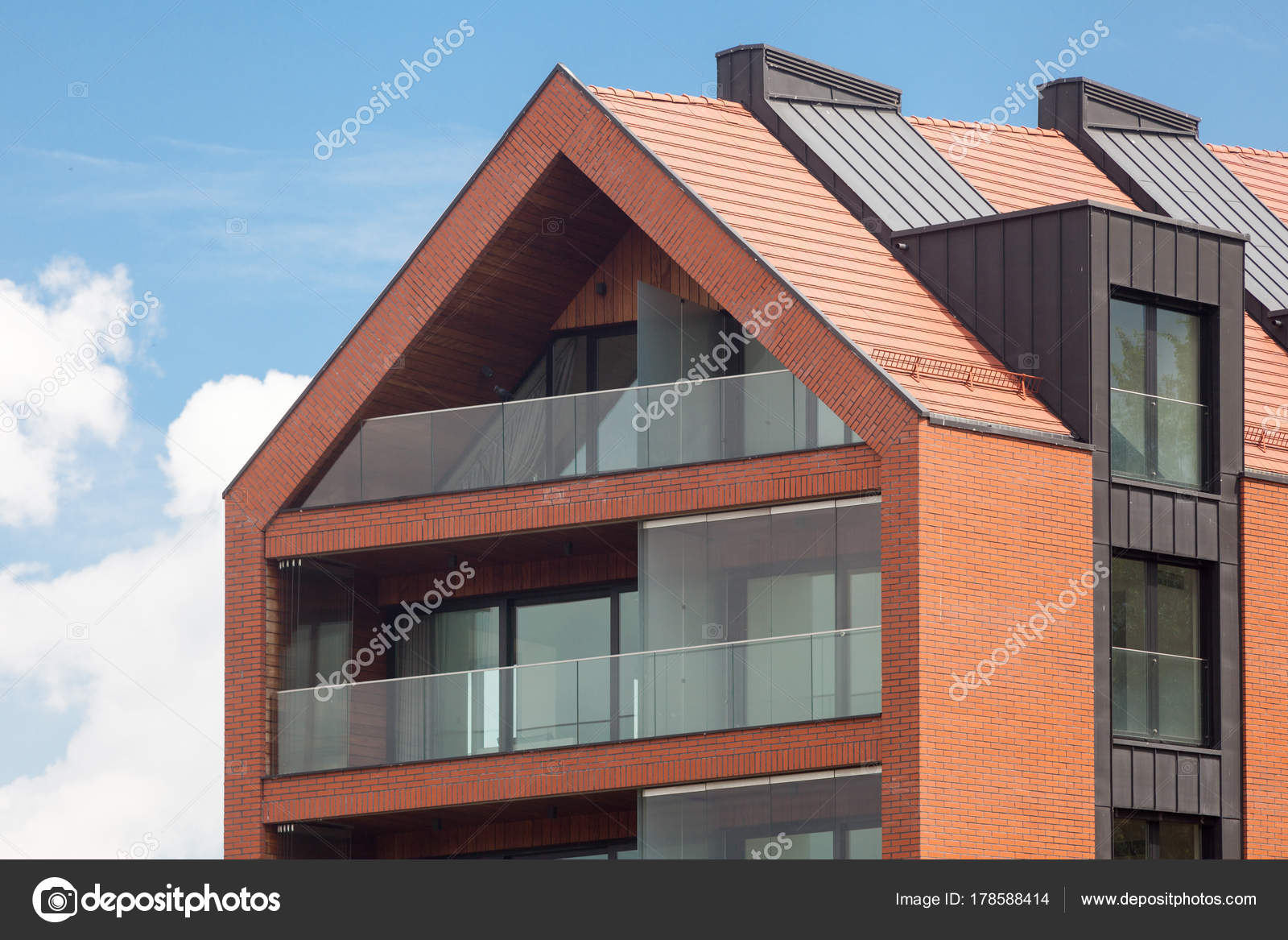 facade exterieur free decoration facade maison exterieur seeknplayco decoration facade maison. Black Bedroom Furniture Sets. Home Design Ideas