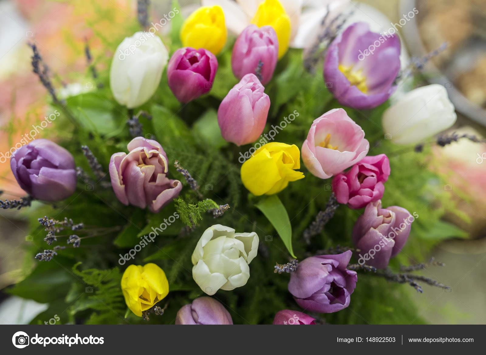 Blumenstrauß. Tulpe Blumen. Farben — Stockfoto © SaidMamed #148922503