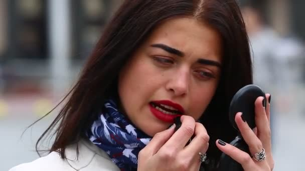 Видео красивых девушек в плаще #5