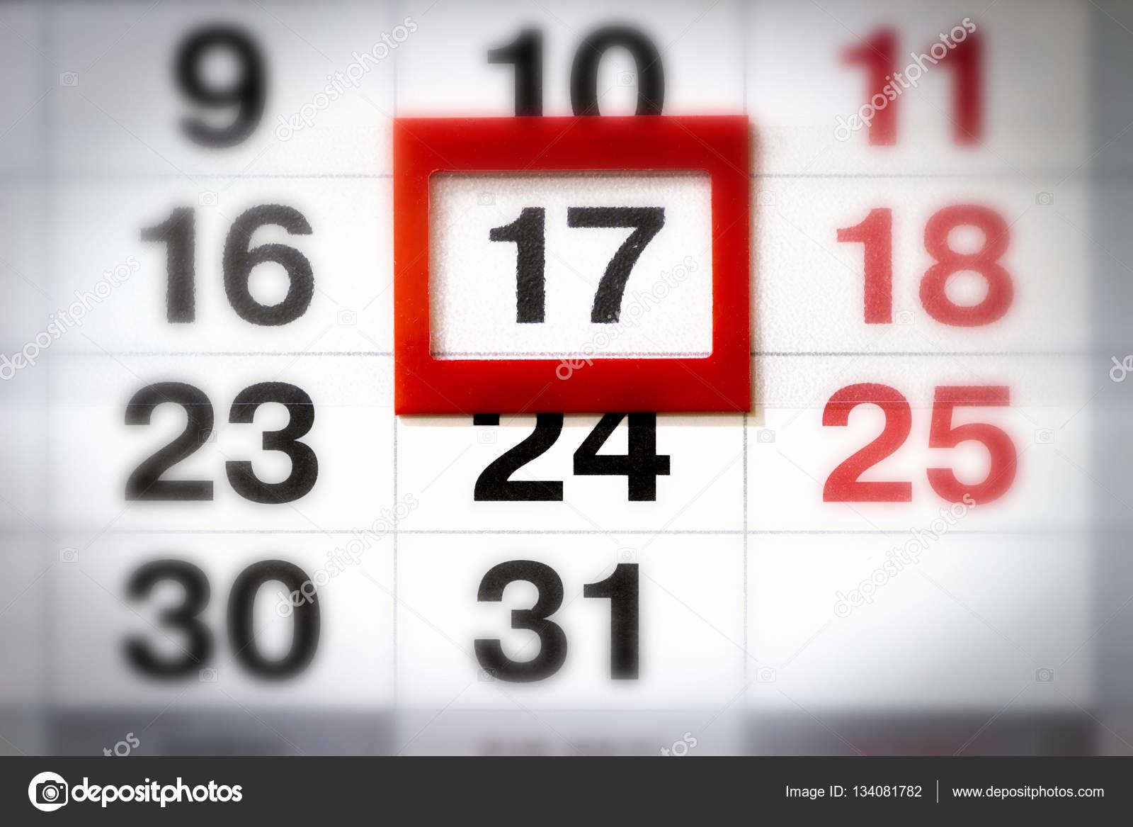 Un fragmento de un calendario de pared — Foto de stock ...