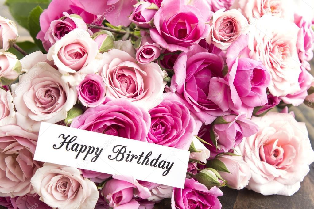 Glückwunschkarte zum Geburtstag mit einem Strauß rosa Rosen — Stockfoto © simonida #127313614